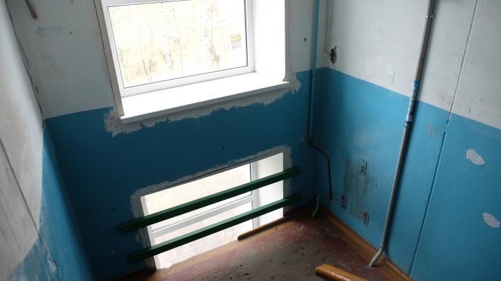 Экс-директора пермской УК, в чьём доме ребёнок упал в оконный проём, осудили на два месяца