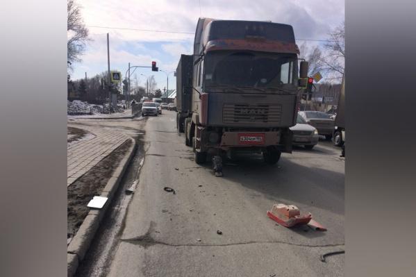 В аварии никто не пострадал, но образовалась длинная пробка