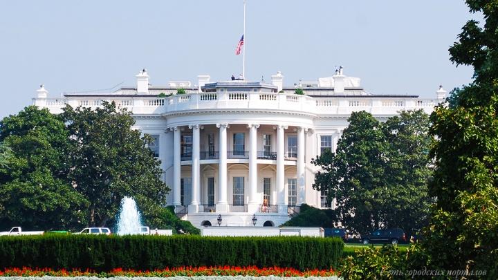 Медведев и сто олигархов: США внесли в «кремлевский список» крупных чиновников и бизнесменов