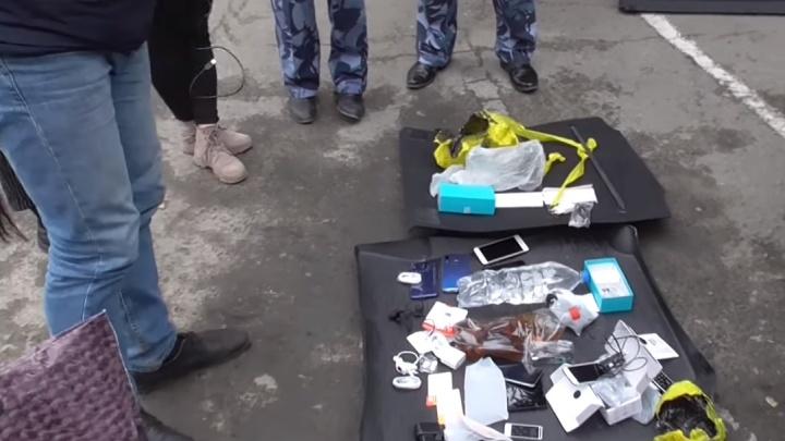 «Мужа пытаются отравить!»: в Екатеринбурге жена осужденного рассказала о конфликте в колонии
