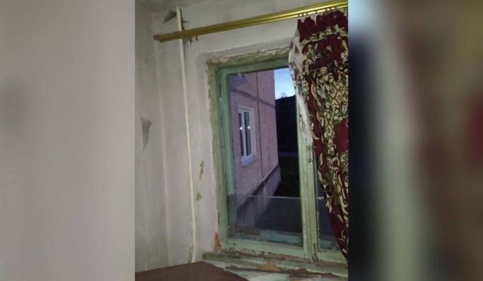 Парня, который выбросил младенца из окна в Североуральске, оправдали