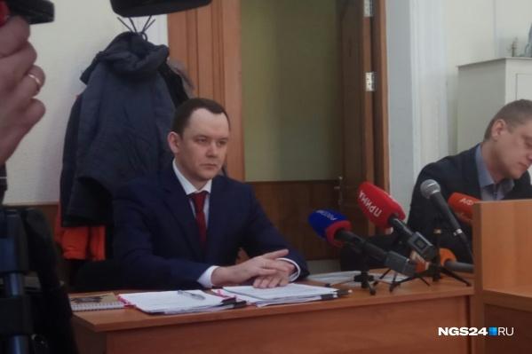 Аркадий Волков заявил, что следователь вымогал у него миллион рублей