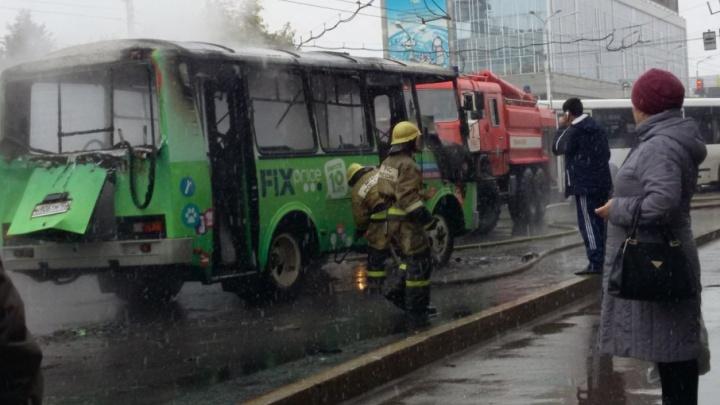 Стали известны причины возгорания автобуса в центре Уфы
