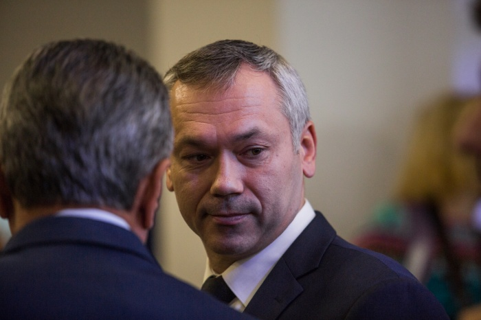 Травников официально подтвердил увольнение двух чиновников из правительства