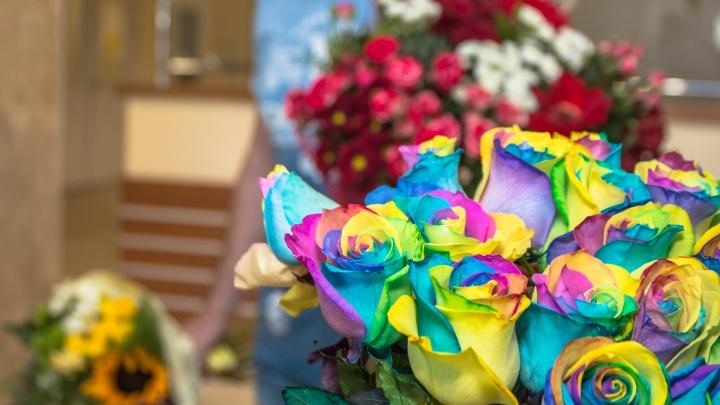 Самарские власти потратят 3,5 миллиона рублей на покупку букетов цветов