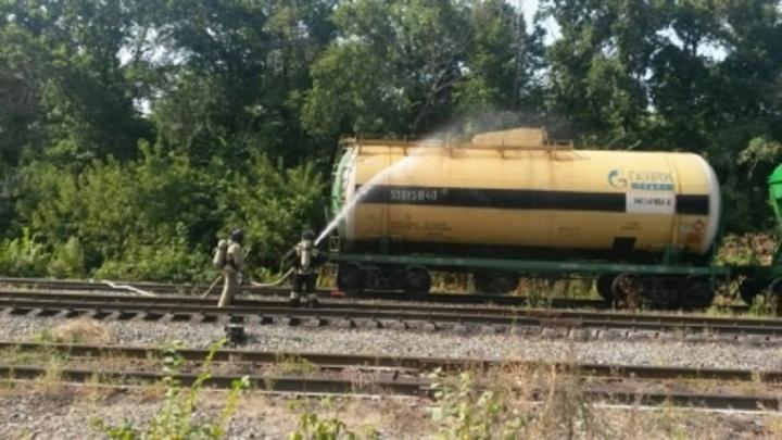 В Башкирии на железной дороге из 60-тонной цистерны вытек метанол