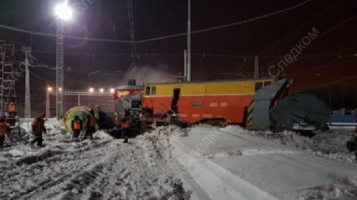 В Самарской области ночью столкнулись два поезда: снегоуборочный и грузовой