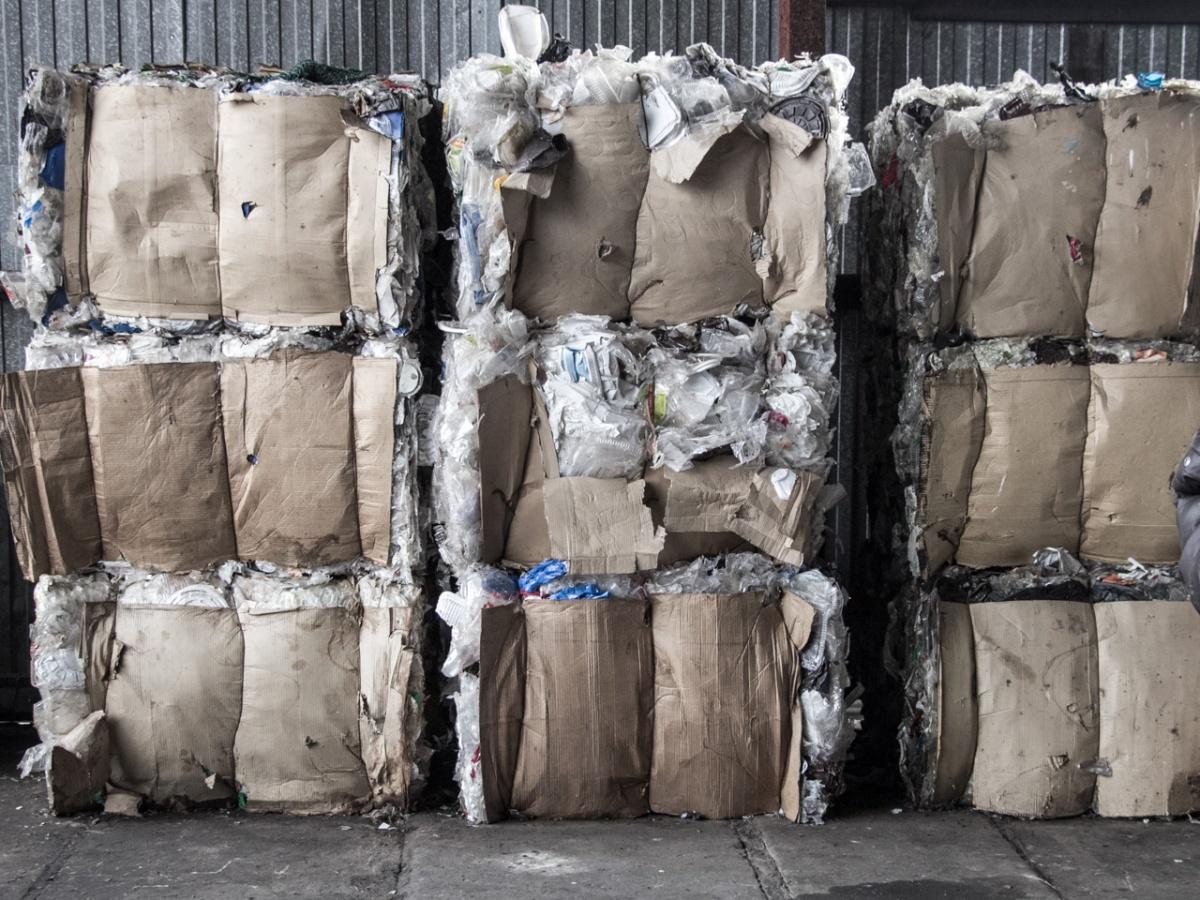 В Москве планируют построить несколько кластеров для упаковки мусора