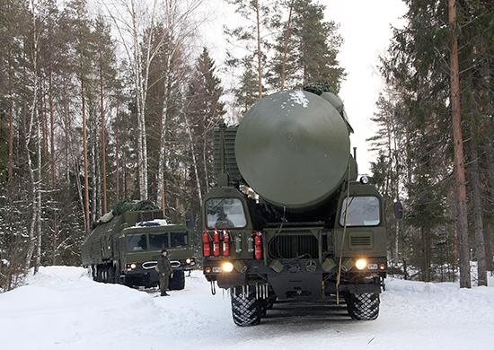 Ракетные полки с установками «Ярс» уже заняли полевые позиции