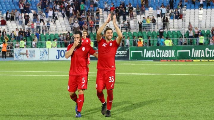 «Уфа» уступила «Оренбургу» в матче с двумя красными