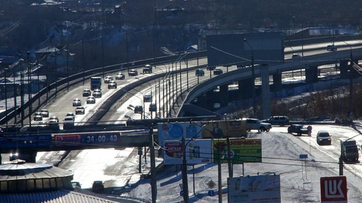 В Омске вместе с Фрунзенским мостом решили обследовать ещё и Октябрьский