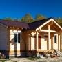 «Остались с фундаментом»: компания пропала, бросив стройку домов для южноуральских семей