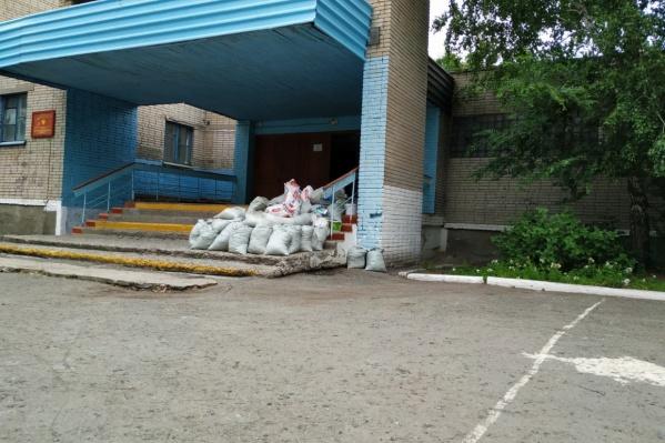 Отремонтировать школы администрацию муниципалитета обязал суд