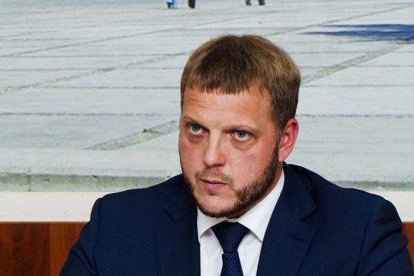 Евгений Пономарёв раньше работал главой администрации Ленинского района, а потом руководил Государственной жилищной инспекцией Новосибирской области