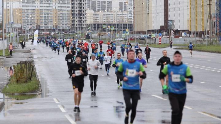 В воскресенье в Челябинске для проведения марафона перекрыли улицы Северо-Запада
