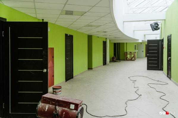 Так выглядит внутри административное здание<br>