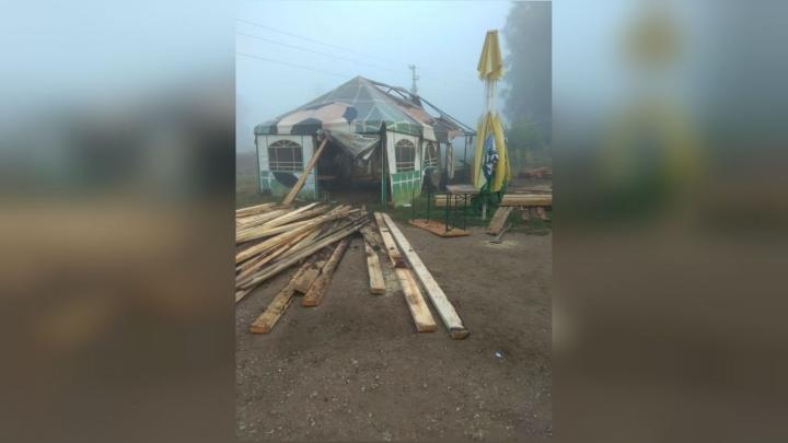 «Собирались расширяться»: в Башкирии разгромили и подожгли популярное кафе