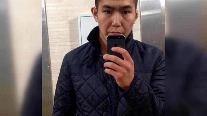 Следователи ищут парня, подозреваемого в убийстве студента у клуба «Мед»