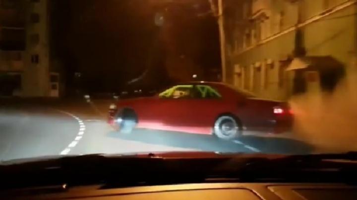 Полицейские наказали стритрейсеров, которые устроили гонки по ночной Самаре