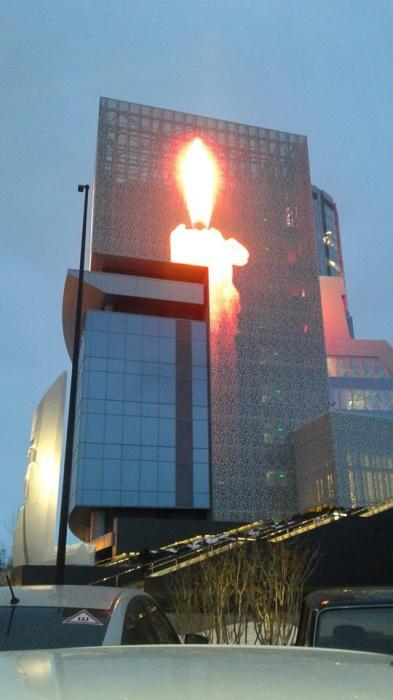 Число жертв пожара в торговом центре Кемерово достигло 64 человек