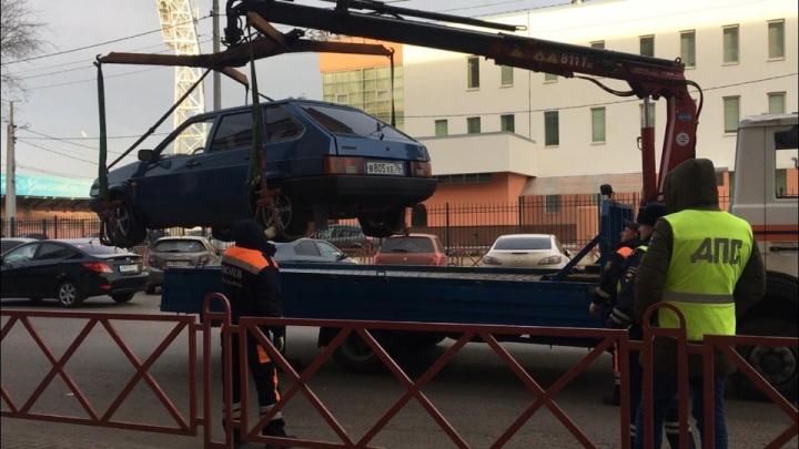 В Ярославле нашли подрядчика, который будет эвакуировать машины нарушителей ПДД с улиц
