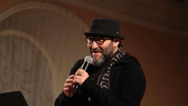 «Рок-вакханалию в церкви» устроил музыкальный критик и журналист Михаил Козырев в Архангельске