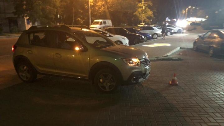 Молодая волгоградка на внедорожнике ночью на парковке сбила женщину