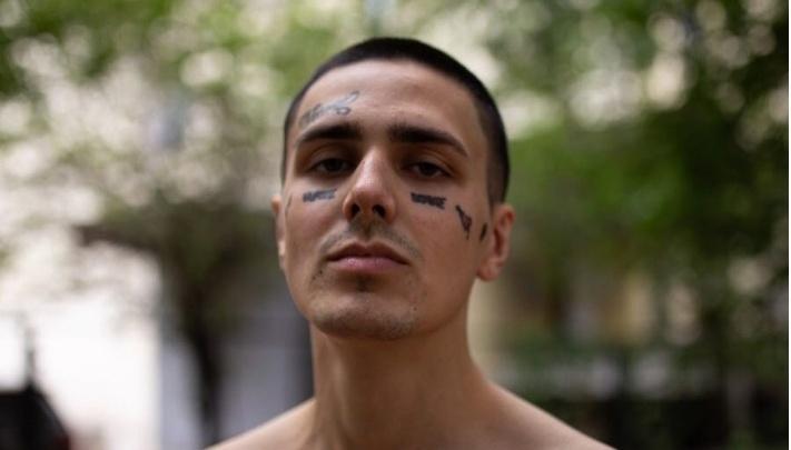 Не в этом году: эпатажный рэпер Face отменил свой осенний тур по России