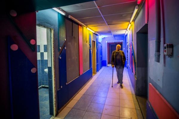 Художественный руководитель городского драматического театра Сергей Афанасьев не дождался переезда в новое здание на улице Максима Горького