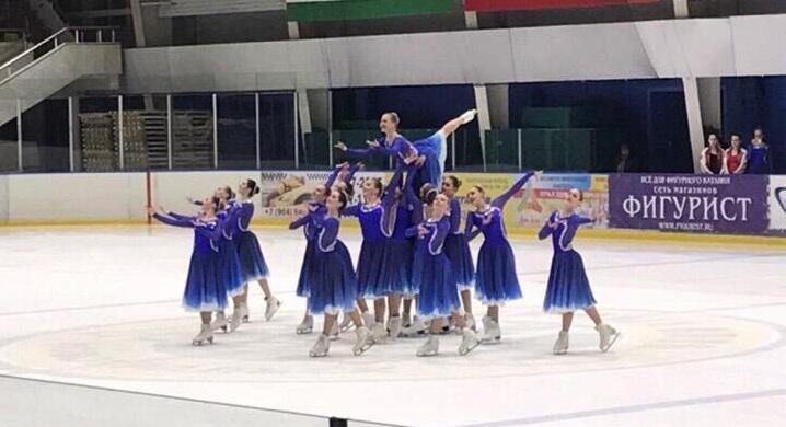 Уральские красавицы стали чемпионками России по синхронному катанию на коньках