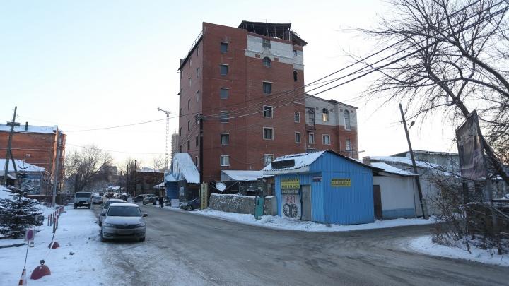 «Несправедливо! Это заказ»: грузинский центр в Челябинске снесут и построят на его месте парковку