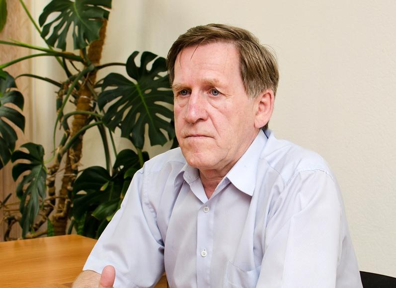 Главный психиатр-нарколог Равиль Теркулов говорит, что Новосибирск готов к новым правилам. А вот к большому потоку автомобилистов — пока не очень