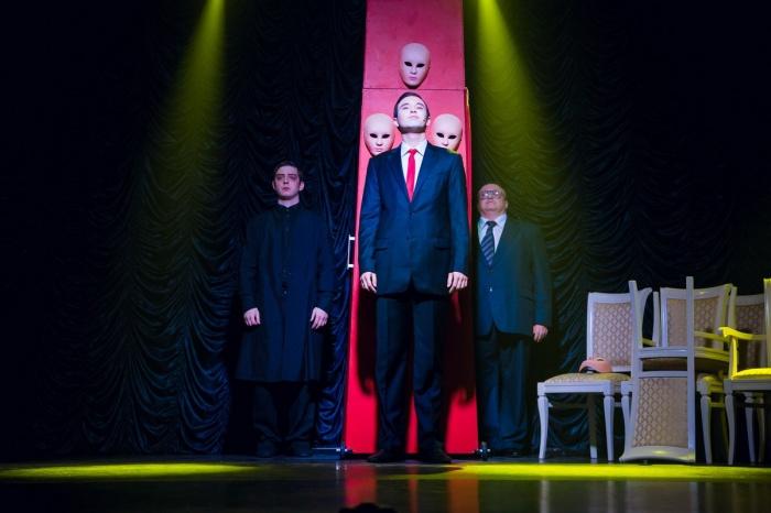 «Первый театр» запустил продажу билетов через Telegram. На фото — спектакль  «Тартюф»