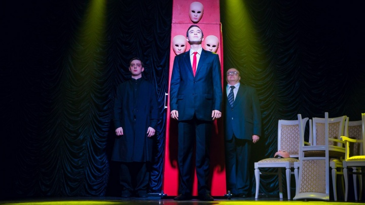 Новосибирский театр начал продавать билеты через запрещённый Telegram