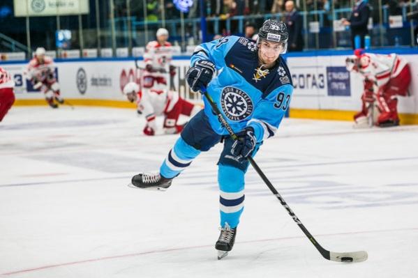 Владислав Наумов сделал хороший силовой приём в матче 12 ноября