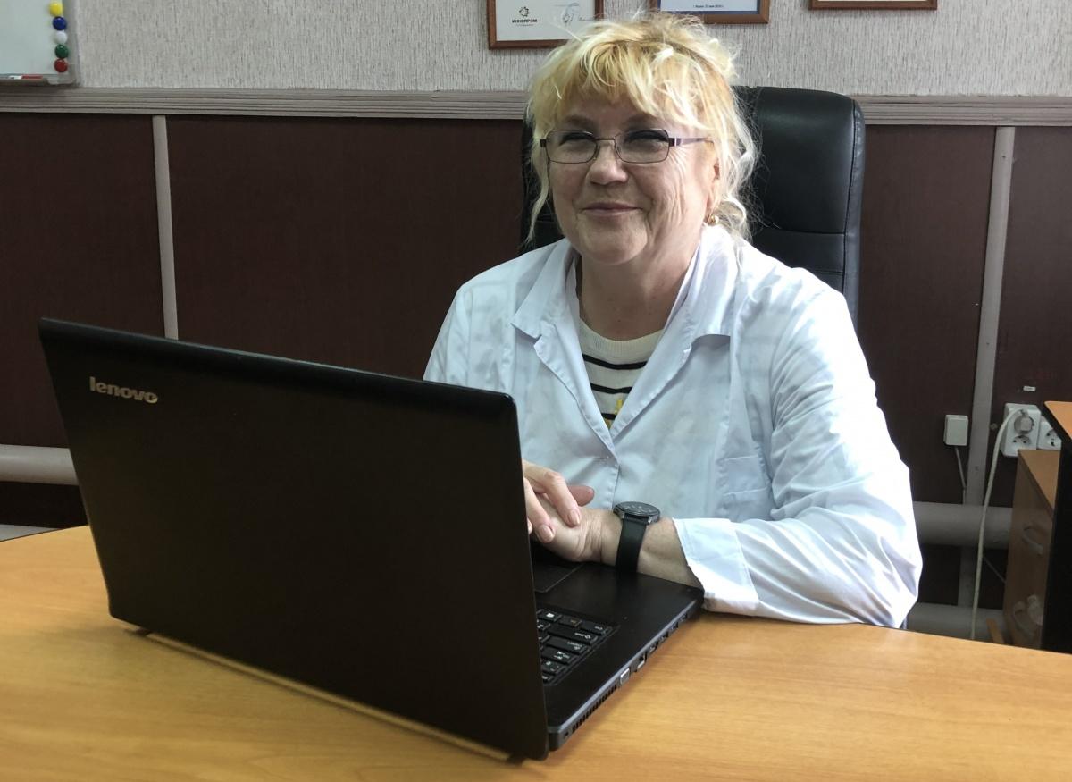 Руфина Богданова советует при выборе зерненого творога смотреть на то, где производится продукт