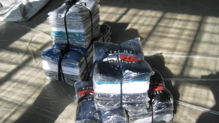 Gucci и Armani из Азии: уральские таможенники изъяли больше 150 тысяч поддельных товаров