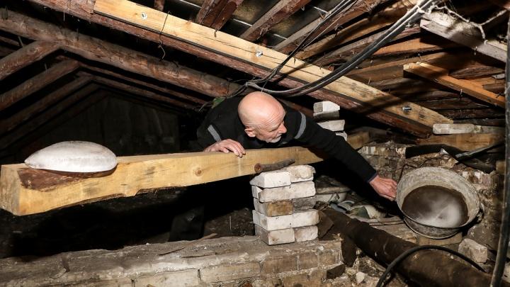 Здравствуйте, мы с вашей крыши. В квартирах нижегородцев начались потопы