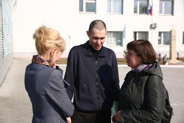 Новосибирский областной суд оправдал и выпустил из колонии Александра Филиппова, который был обвинён в убийстве брата