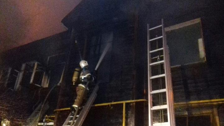 Пожар в Нижнем Новгороде уничтожил многоквартирный дом