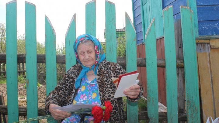 «Тогда я еще поживу». Нижегородцы навестили ветеранов в отдаленных деревнях области