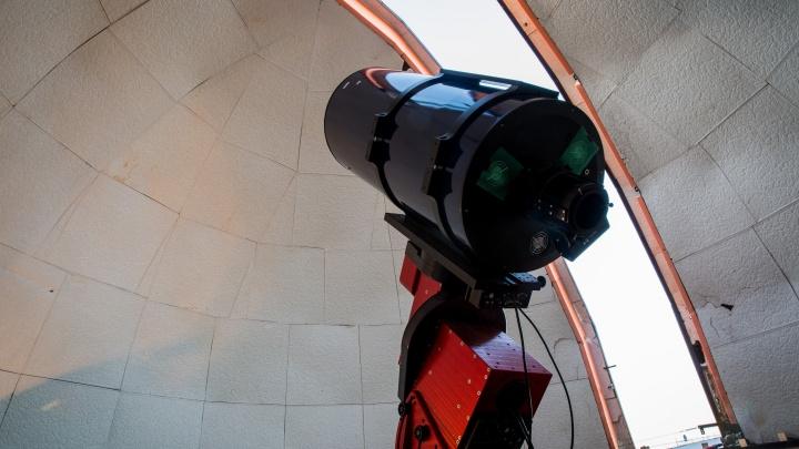 Юпитер приближается: новосибирцы смогут разглядеть в небе огромную планету