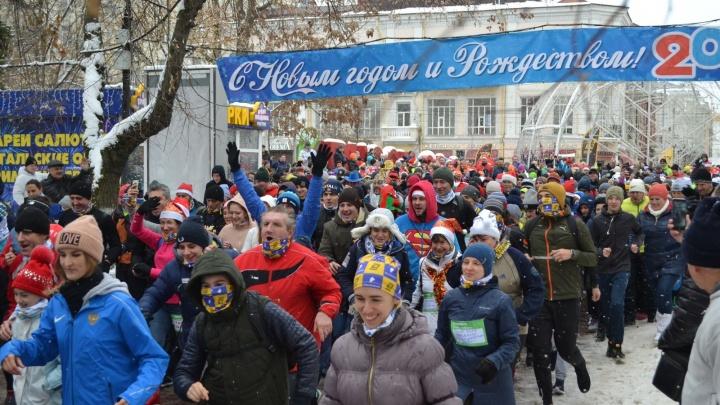 Ростелеком в Ростове-на-Дону поддержал забег в честь Нового года