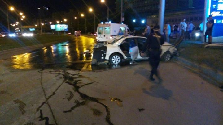 Молодая женщина погибла в перевернувшейся на крышу «Тойоте»
