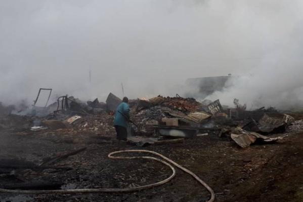 От пожара в Лингострове пострадало два человека