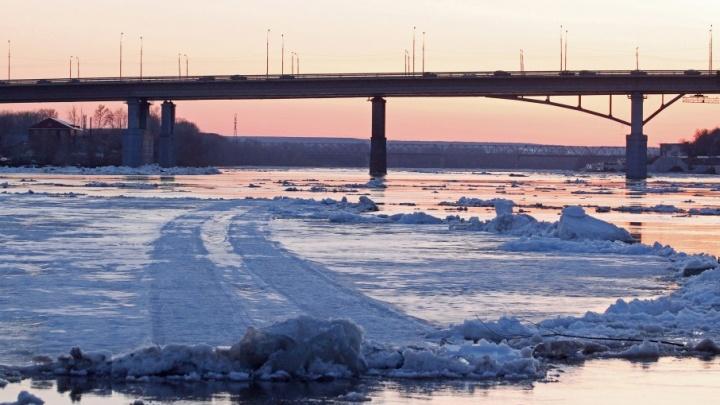 Житель Башкирии провалился под лёд во время рыбалки