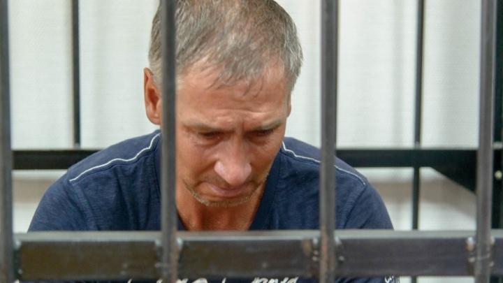 «Только на два часа»: в Волгограде арестованного Леонида Жданова выпустили на улицу
