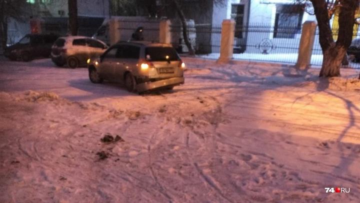 Врачи уточнили состояние пешеходов, сбитых иномаркой на тротуаре в Челябинске