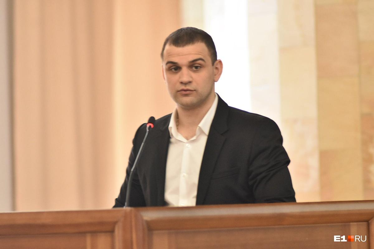 Михаил Оганян пообещал садоводам, что разработка их территории начнется не ранее чем через 17 лет