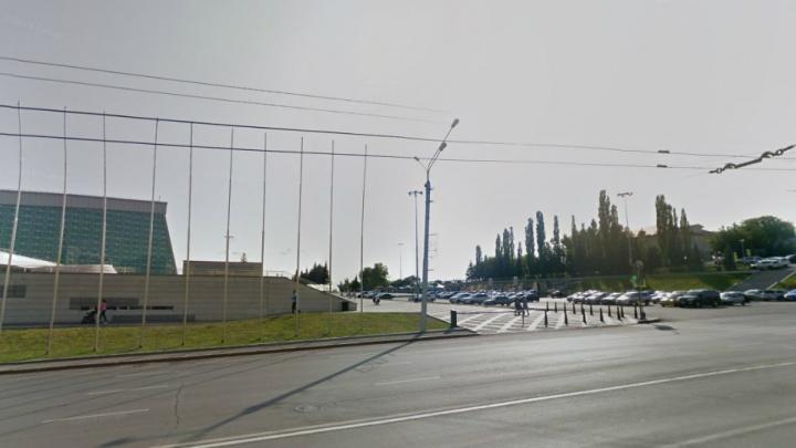 В Уфе закроют парковку перед конгресс-холлом «Торатау»